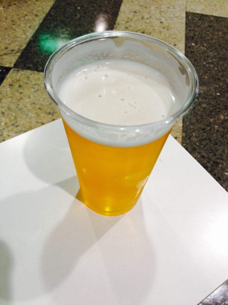 旅の癒し。ビールで一服。